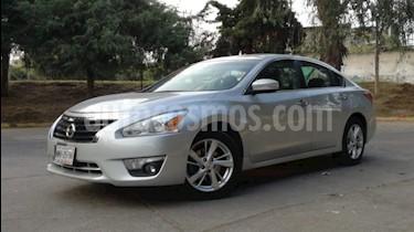 Nissan Altima Sense usado (2013) color Plata precio $139,000