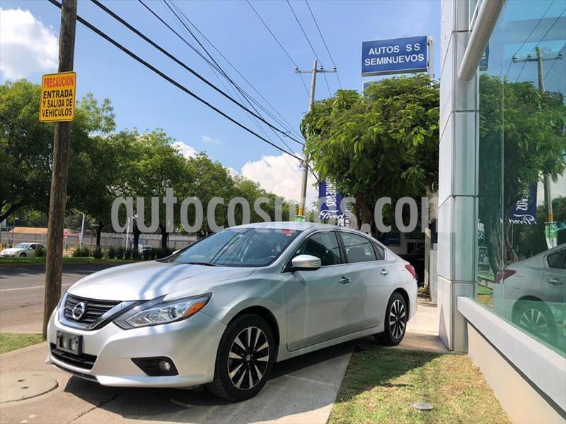 Nissan Altima Sense usado (2018) color Plata precio $289,000