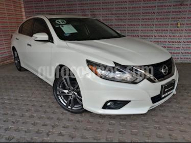 Nissan Altima Advance NAVI usado (2018) color Blanco precio $330,000
