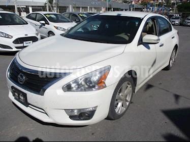 Nissan Altima Advance usado (2016) color Blanco precio $199,000