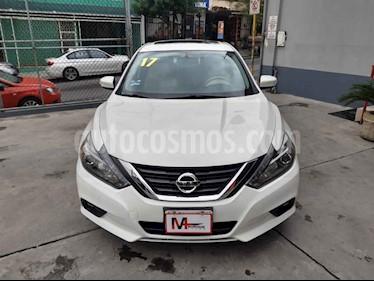 Nissan Altima Exclusive usado (2017) color Blanco precio $285,000