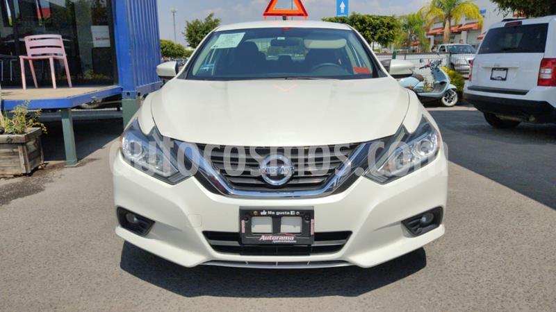 Nissan Altima Sense usado (2017) color Blanco precio $255,000