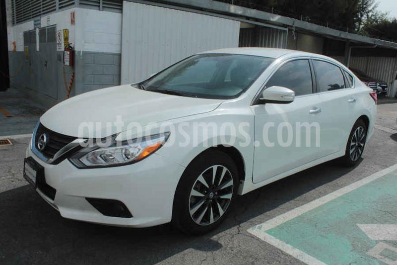 Foto Nissan Altima Sense usado (2017) color Blanco precio $229,000