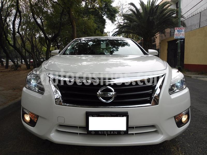 Nissan Altima Exclusive usado (2014) color Blanco precio $130,000