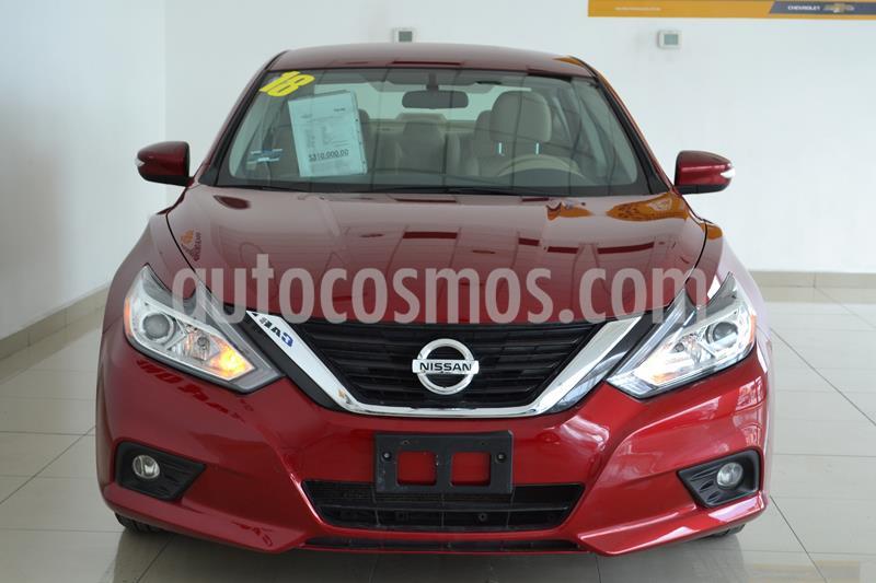 Nissan Altima Sense usado (2018) color Rojo precio $248,000