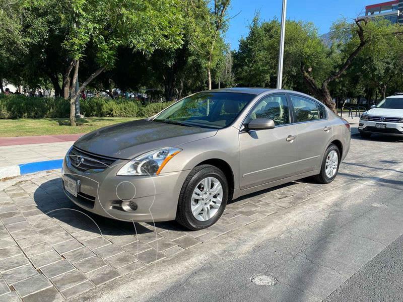Foto Nissan Altima S 2.5L CVT usado (2012) color Dorado precio $169,900