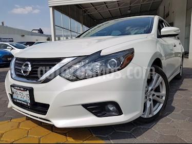 Nissan Altima Advance usado (2017) color Blanco precio $275,000