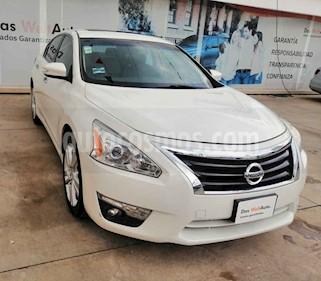 Nissan Altima 4p Exclusive V6/3.5 Aut usado (2014) color Blanco precio $176,990