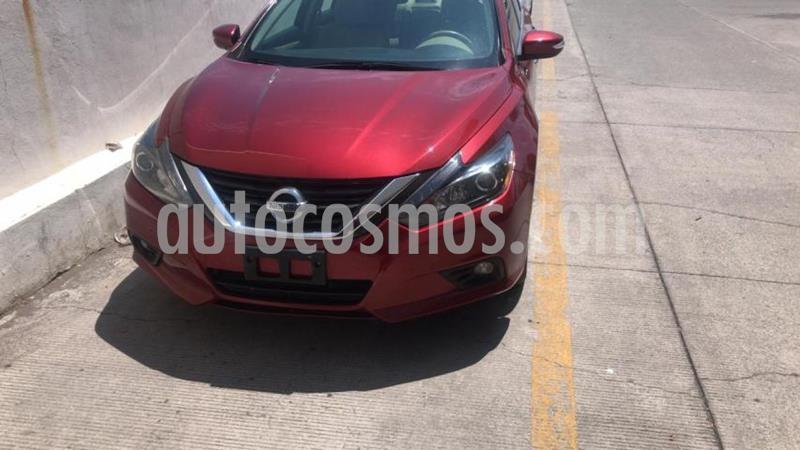 Nissan Altima 4P ADVANCE NAVI L4/2.5 AUT usado (2017) color Rojo precio $275,000