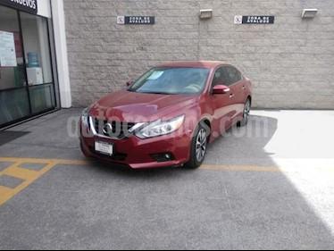 Nissan Altima 4P SENSE L4 CVT A/AC. RA-17 usado (2017) color Rojo precio $219,000