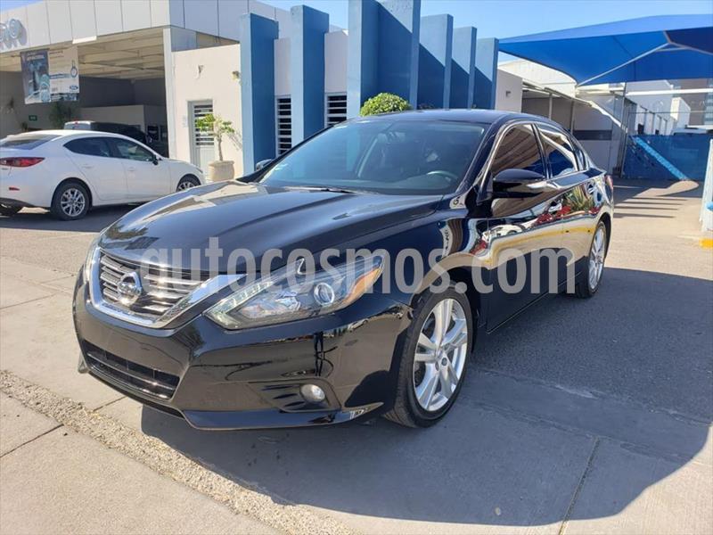 Nissan Altima 4P ADVANCE NAVI L4/2.5 AUT usado (2017) color Negro precio $260,000