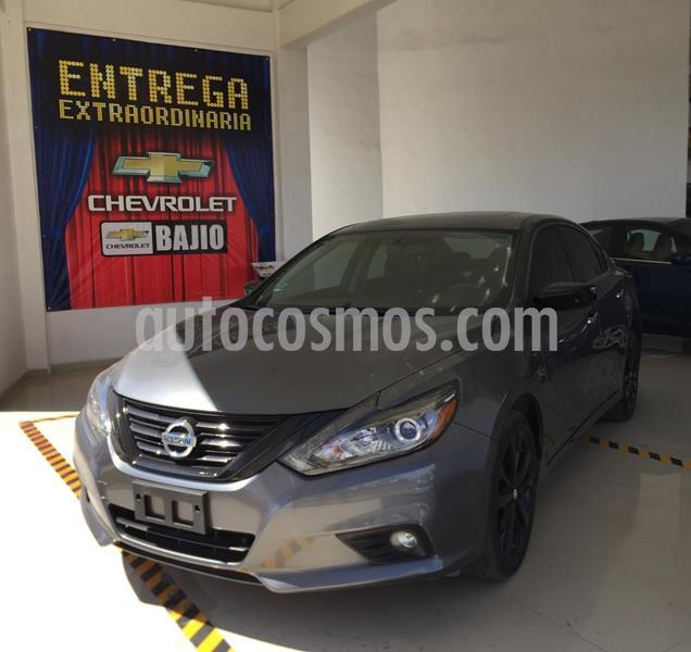Nissan Altima Advance NAVI usado (2018) color Negro precio $305,000
