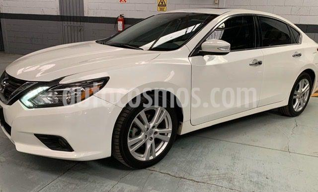 Nissan Altima Exclusive usado (2017) color Blanco precio $275,000