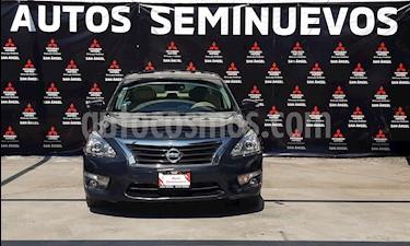 Nissan Altima Exclusive usado (2016) color Azul Metalico precio $223,000