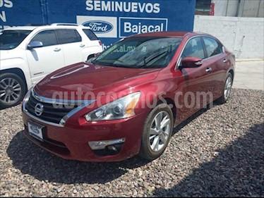 Nissan Altima ADVANCE L4/2.5 AUT usado (2016) color Rojo precio $250,000