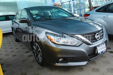 Nissan Altima 4P ADVANCE L4/2.5 AUT usado (2017) color Gris Oscuro precio $259,000