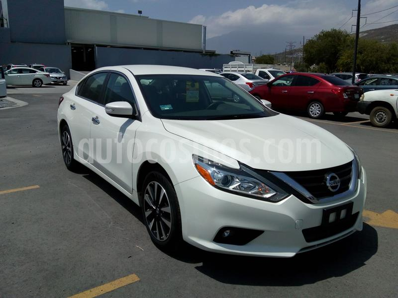 Nissan Altima Advance usado (2018) color Blanco precio $380,000