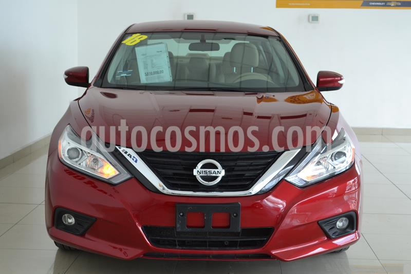 Nissan Altima Sense usado (2018) color Rojo precio $310,000