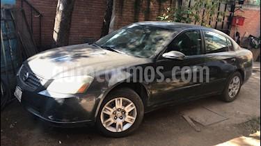 Foto venta Auto usado Nissan Altima SE 3.5L V6 (2006) color Gris Oscuro precio $85,000