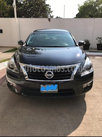 Nissan Altima SE 3.5L V6 usado (2015) color Gris Oscuro precio $230,000