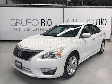 Nissan Altima Sense usado (2013) color Blanco precio $149,000