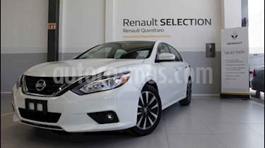 Foto venta Auto usado Nissan Altima Sense (2017) color Blanco precio $252,000