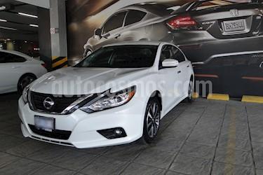Foto venta Auto usado Nissan Altima Sense (2017) color Blanco precio $300,000