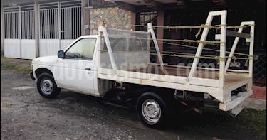 Nissan Estacas Largo TM5 usado (2002) color Blanco precio $56,000