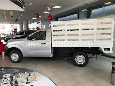 Foto Nissan Estacas Largo TM5 usado (2020) color Plata precio $297,000