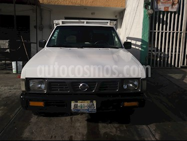 Nissan Estacas Largo TM5 usado (2006) color Blanco precio $108,000