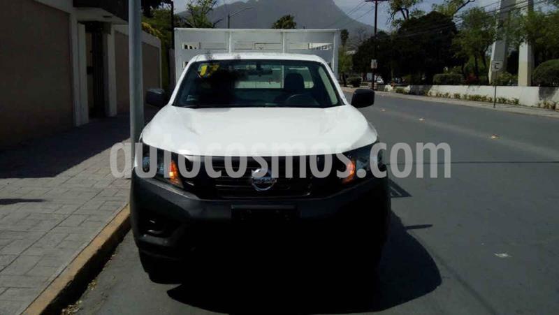 Nissan Estacas Largo TM5 usado (2017) color Blanco precio $275,000