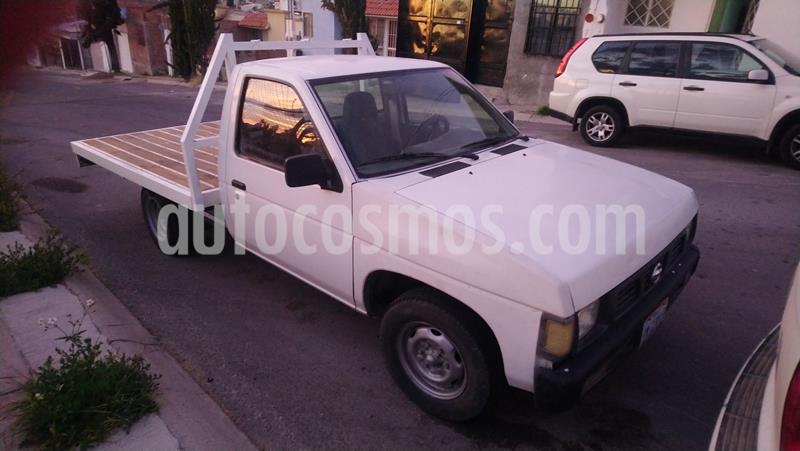 Nissan Estacas Largo TM5 usado (2007) color Blanco precio $100,000