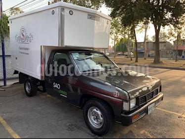 Nissan Estacas Largo TM5 usado (2000) color Gris precio $115,000
