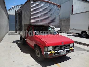 Nissan Estacas Largo TM5 usado (2000) color Rojo precio $98,000