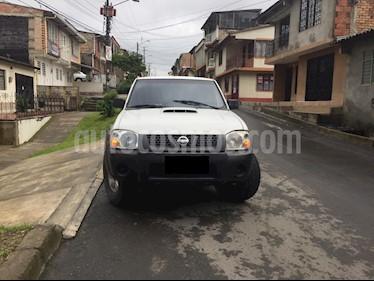 Nissan Frontier 2.4L Doble Cabina 4x4 DX usado (2015) color Blanco precio $55.000.000