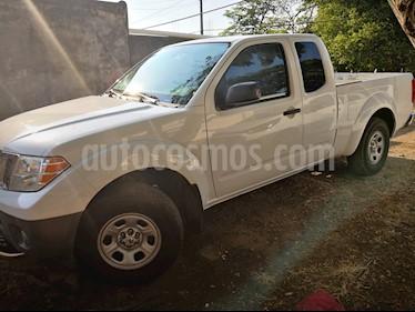 Foto Nissan Frontier LE 2.4L usado (2010) color Blanco precio $200,000