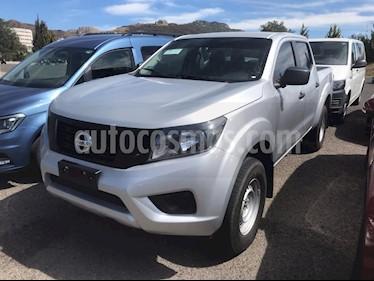 Nissan Frontier LE 2.4L 4x4 usado (2018) color Plata precio $300,000