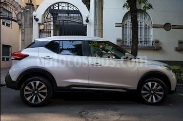 Foto venta Auto usado Nissan Kicks Advance Aut (2018) color Plata precio $303,000
