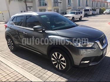 Foto venta Auto Seminuevo Nissan Kicks Exclusive Aut (2017) color Gris Oxford precio $260,000