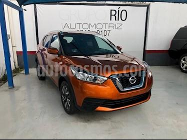 Nissan Kicks Sense usado (2018) color Naranja precio $235,000