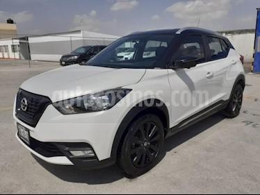 Nissan Kicks 5P EXCLUSIVE 1.6L TA A/AC. AUT PIEL VE GPS RA-17 usado (2018) color Blanco precio $288,000