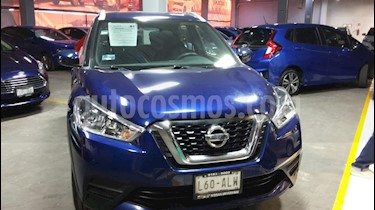 Nissan Kicks Sense usado (2017) color Azul Cobalto precio $222,000
