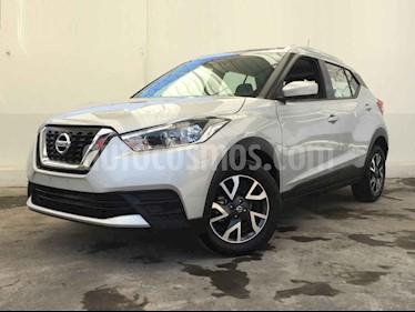Foto venta Auto usado Nissan Kicks Sense (2018) color Plata precio $245,000