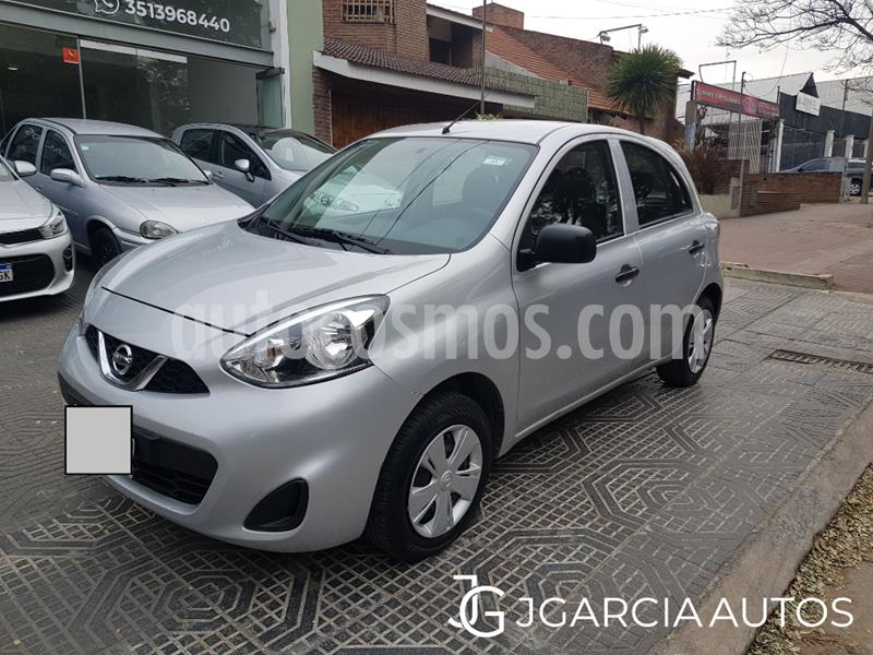 Nissan March Active usado (2019) color Gris Claro precio $725.000