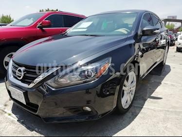 foto Nissan Maxima 3.5 Exclusive usado (2017) color Rojo precio $298,000