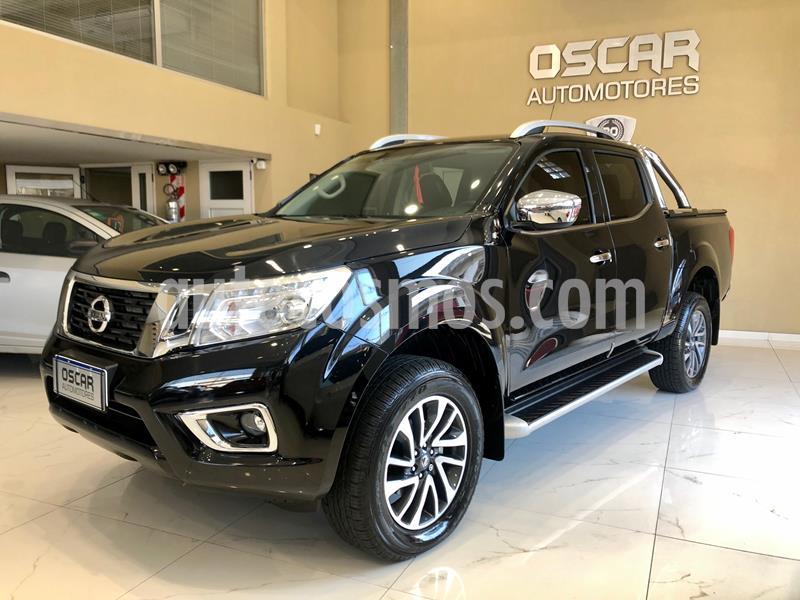 Nissan NP 300 Frontier LE 4x4 Aut usado (2018) color Negro precio $3.950.000