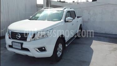 Nissan NP300 Doble Cabina 4p SE L4/2.5 Man A/C Paq Seg usado (2019) color Blanco precio $435,000