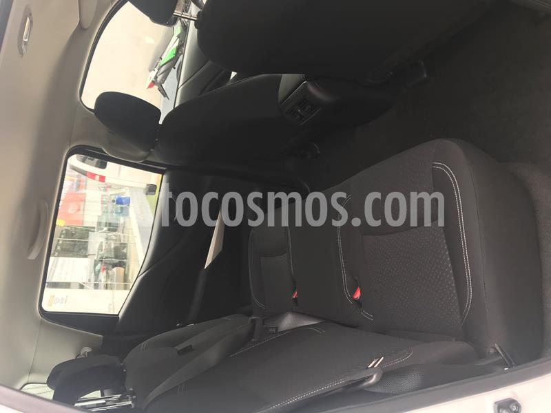 Foto Nissan NP300 Doble Cabina SE A/A usado (2020) color Blanco precio $339,000