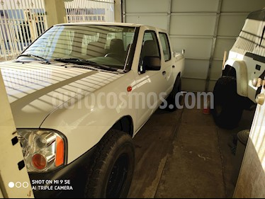 Nissan NP300 Doble Cabina S usado (2014) color Blanco precio $150,000