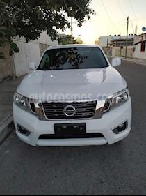 Nissan NP300 Doble Cabina SE A/A Paq. de Seg. usado (2017) color Blanco precio $265,000